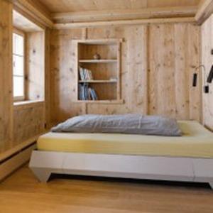 antigua-casa-rustica-interior-moderno-6-200x200