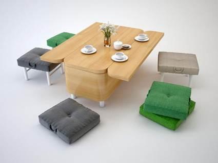 Sofá, mesas y sillas