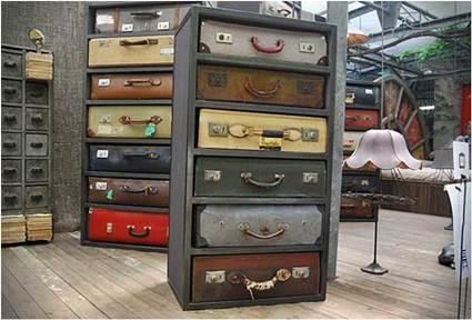 Decoración con maletas viejas