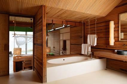 Madera en ba os decoraci n de interiores y exteriores for Casa moderna 6x6