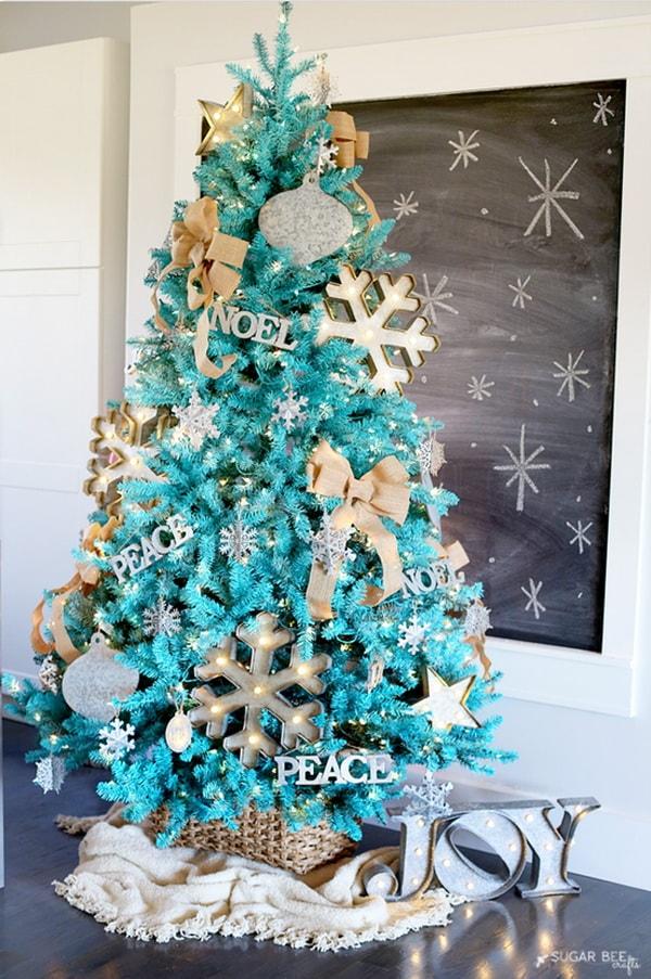 Árbol de Navidad en color turquesa