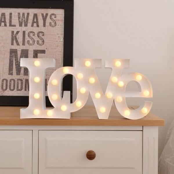 Letras con luces para San Valentín