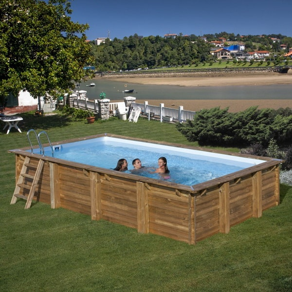 Piscina de madera rectangular