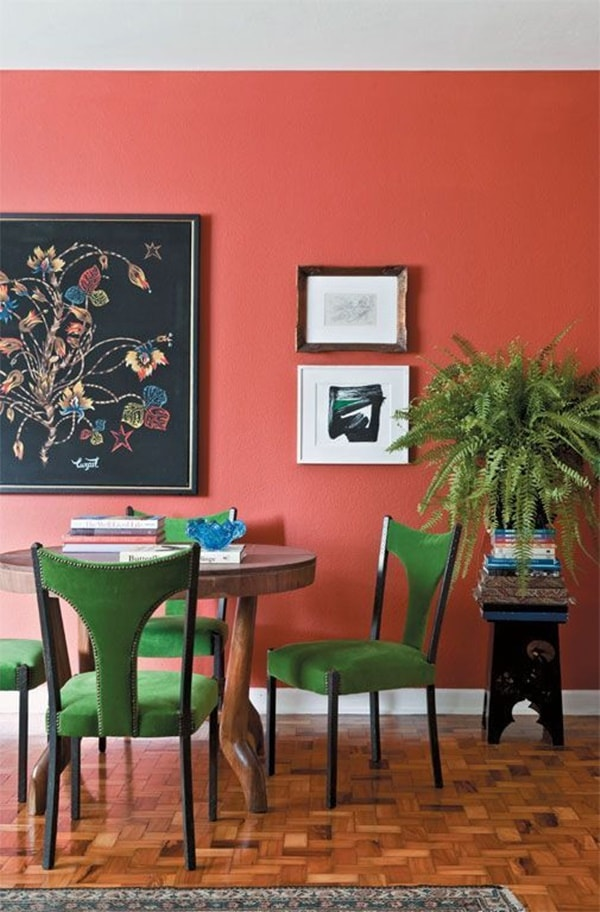 Color Pantone living coral