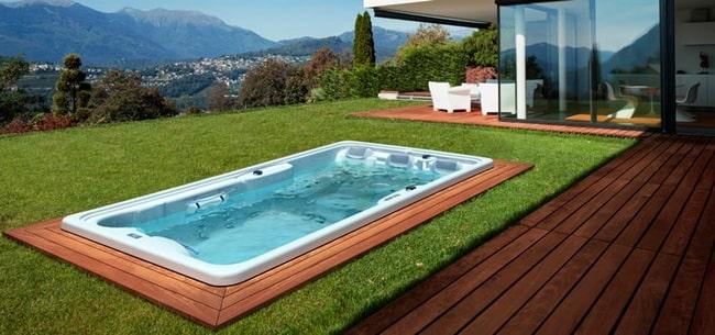 Piscina Con Jacuzzi Exterior.Diferencias Entre Jacuzzi Exterior Y Swim Spa Cual Es La