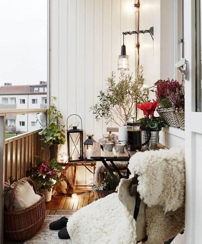 Pequeña terraza decorada