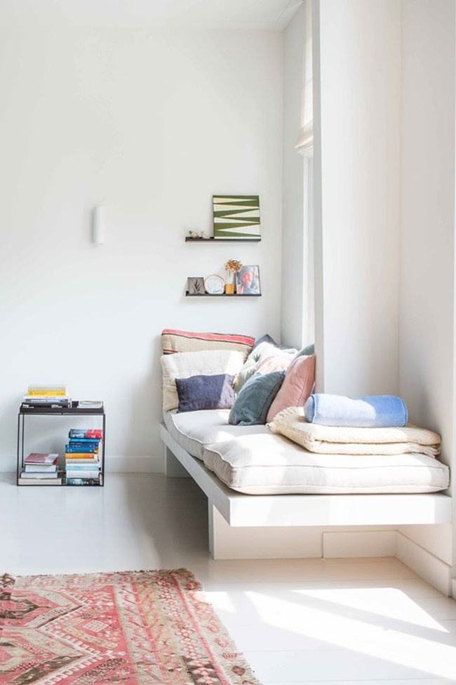 Sala blanca con Daybed