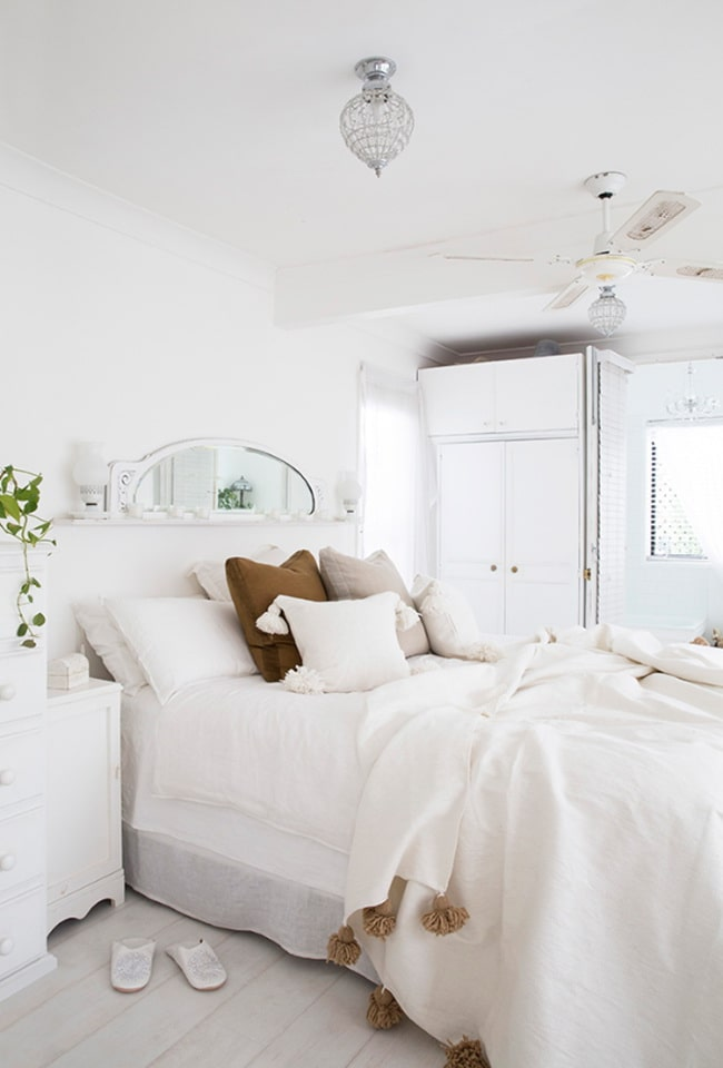 Dormitorio total white